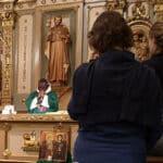 Un équipier-prêtre à l'accueil francophone