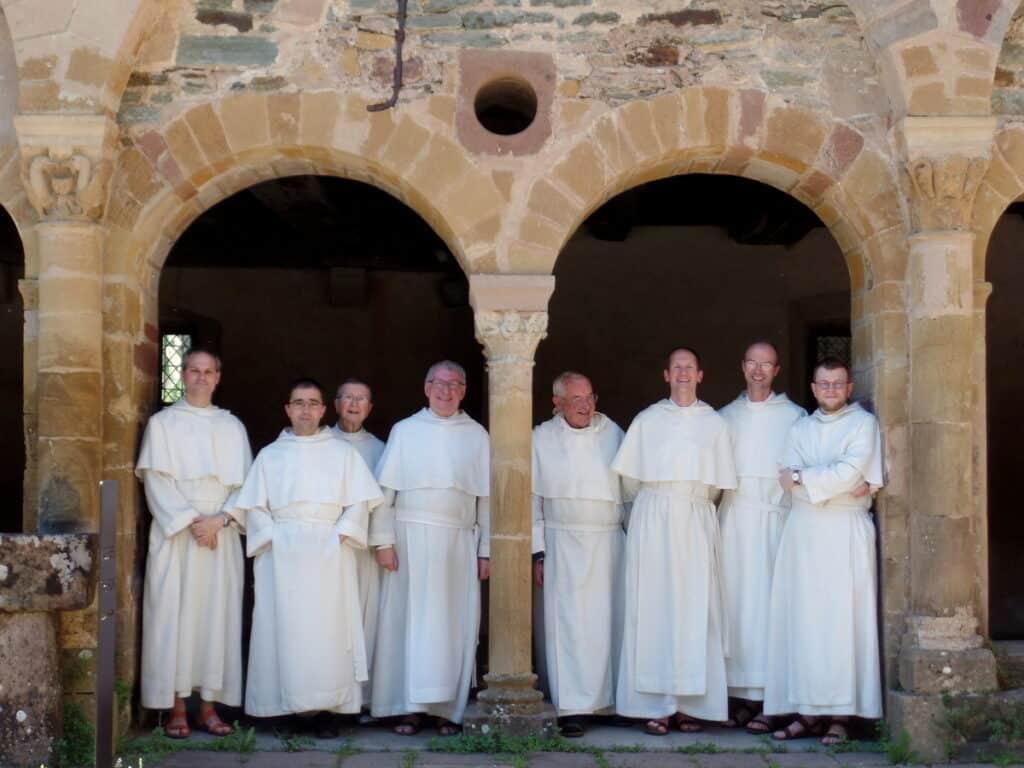 Frère Jean-Régis en mai 2020 avec les Frères Prémontés de l'abbaye de Conques.