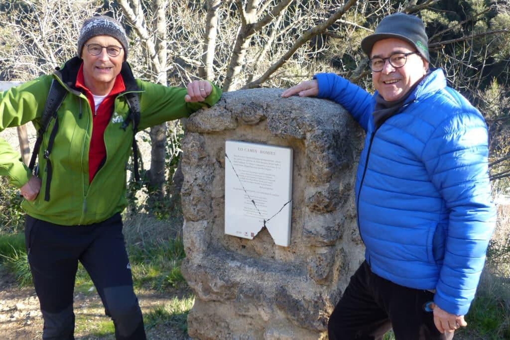 On voit Jean-Pierre avec Serge en reconnaissance du chemin de Saint-Guilhem-le-Désert.